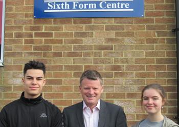 Richard Benyon visits Year 12 students