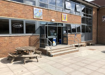 Cafe 6 open for breakfast